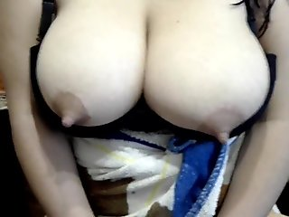 Argentinian big lactating boobs volumen 1