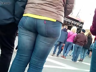 Big ass milfs shaking in tight jeans 2