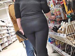Juicy ass girls in tight lycra